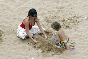 Τρυφερή μαμά η Penelope Cruz