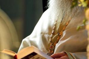 Υποχρέωση της Πολιτείας η μισθοδοσία των κληρικών