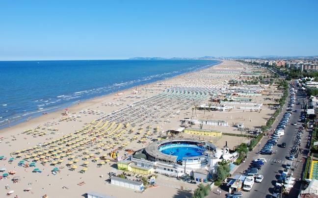 """Η πόλη """"διαμάντι"""" της Ιταλίας με τις μαγευτικές παραλίες... που δεν έχεις ανακαλύψει ακόμα! (photos)"""