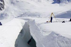 Η κλιματική αλλαγή κάνει τους παγετώνες στις Άλπεις να λιώνουν τρεις φορές ταχύτερα