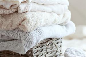 Πώς να διατηρήσω το λευκό χρώμα στα ρούχα μου