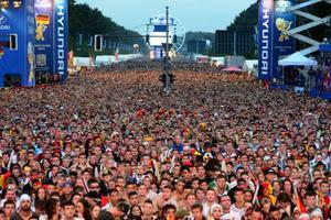 Τουλάχιστον 200.000 Γερμανοί συγκεντρώθηκαν για να δουν τον τελικό του Μουντιάλ