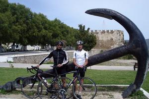 «Γιατί κάναμε το ταξίδι Λονδίνο Κάρυστος με τα ποδήλατα»
