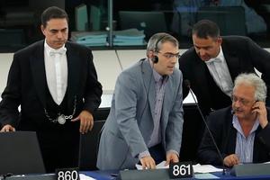 Παπαδάκης: Το Ευρωκοινοβούλιο είναι «λαγός» στην προώθηση αντιλαϊκών μέτρων