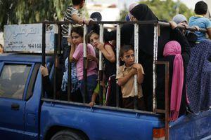 Εγκαταλείπουν τη Γάζα οι Παλαιστίνιοι