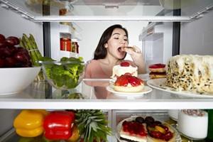 Πέντε τρικ για να μην πεινάτε όλη την ώρα