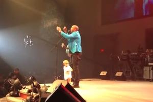 Ένα παιδί στη συναυλία...
