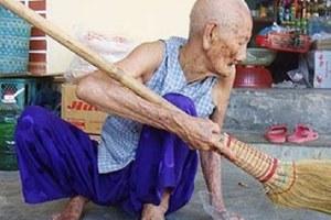 Η Νγκουγέν Θου Τρου ο γηραιότερος άνθρωπος στον κόσμο