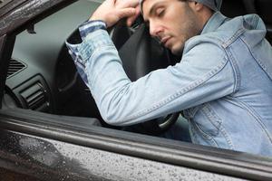Έξυπνη ζώνη καταλαβαίνει πότε... κοιμάται ο οδηγός