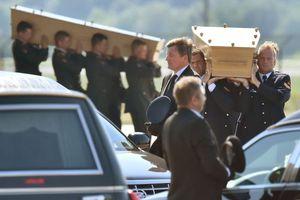 Στο Αϊντχόβεν ακόμα 74 σοροί θυμάτων της αεροπορικής τραγωδίας της MH17
