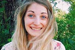 Μπλέχτηκαν τα μαλλιά της στο τιμόνι και σκοτώθηκε σε τροχαίο