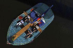 Σκάφος από 50.000 πλαστικά μπουκαλάκια