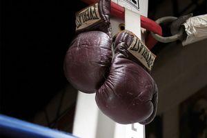 «Χρυσά» τα γάντια του Μοχάμεντ Άλι στον «Αγώνα του Αιώνα»