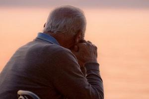 Συνταξιούχος έπνιξε τη σύζυγό του γιατί δεν μπορούσε να τη φροντίζει άλλο
