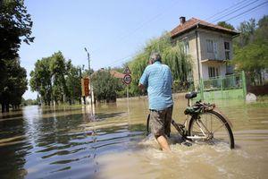 «Πνίγεται» η Βουλγαρία από τις βροχές