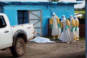 Έσπασαν το φράγμα των 1000 οι νεκροί από τον Έμπολα