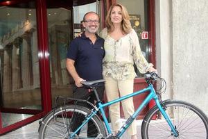 Από το Βρετανικό Μουσείο στην Ακρόπολη με ποδήλατο για τα μάρμαρα του Παρθενώνα