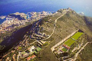 Ένα διαφορετικό γήπεδο στο Μονακό