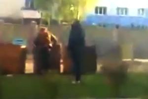Φοιτητής έριξε άστεγο σε κάδο σκουπιδιών