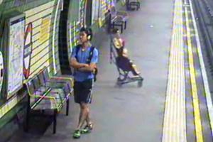 Μωρό έπεσε στις ράγες του μετρό σε σταθμό του Λονδίνου