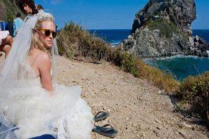 Συγκλονιστική επιστολή της σκηνοθέτιδας του «Mamma Mia» στην Κεφαλογιάννη
