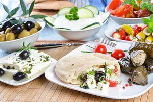 Η Figaro αποθεώνει την ελληνική κουζίνα