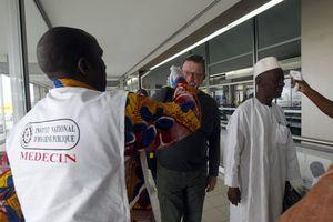 Με συμπτώματα Έμπολα Νιγηριανή στη Σιγκαπούρη