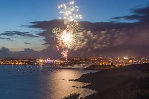 Γέμισε πυροτεχνήματα ο ουρανός της Μ. Βρετανίας