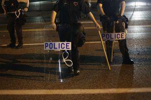 Δεκαπέντε συλλήψεις στο Φέργκιουσον