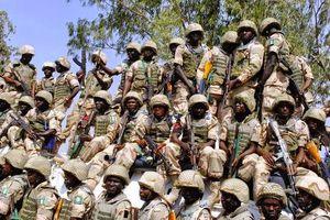 Στρατιώτες στασίασαν στη Νιγηρία απαιτώντας να τους δοθούν καλύτερα όπλα