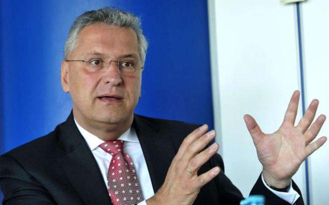 Να φύγει η Ελλάδα από την Σένγκεν ζητά ο Βαυαρός υπουργός Εσωτερικών