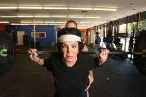 Η 92χρονη που λιώνει στο γυμναστήριο