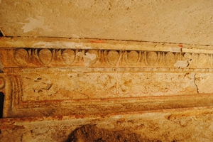 Αποκαλύφθηκε η πρόσοψη του τάφου της Αμφίπολης
