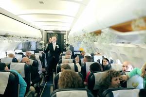 Αναπάντεχος γάμος μέσα σε αεροπλάνο