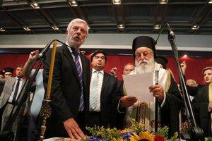 Παρουσία του Αρχιεπισκόπου Ιερώνυμου ορκίστηκε ο Τατούλης