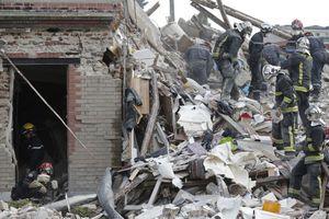 Αυξάνονται οι νεκροί στο κτήριο που έπεσε στο Παρίσι