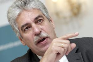 Ο Αυστριακός υπουργός οικονομικών ζητάει ολοκλήρωση του προγράμματος