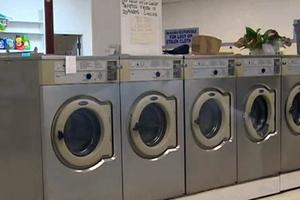 Πεντάχρονη «κόλλησε» σε πλυντήριο ρούχων