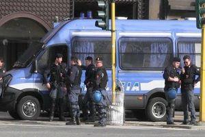 Εξουδετερώθηκε βόμβα έξω από τράπεζα στη Νάπολη