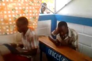 Τρόλινγκ σε αφρικάνικο σχολείο