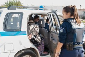 Αστυνομική επιχείρηση σε καταυλισμό Ρομά στην Κόρινθο