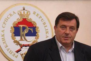 «Ο Ντόντικ θεσπίζει νόμους για τις ξένες οργανώσεις»