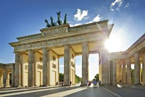Ρυθμό ανάπτυξης 1,5% προβλέπει η Γερμανία για το 2015