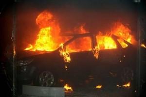 Νεκρός ανασύρθηκε από πυρκαγιά στο αυτοκίνητό του στο Αιγάλεω