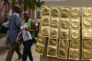 Πιέσεις από την Ουγκάντα για κατασκευή μεγαλύτερων... προφυλακτικών