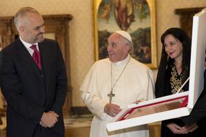 Στην Αλβανία ο πάπας Φραγκίσκος