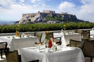 Η πολυτέλεια της Αθήνας κάνει το γύρο του κόσμου