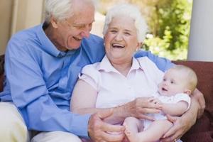 Τι θα ήθελαν οι γιαγιάδες να γνωρίζουν οι γονείς