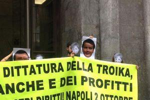 Τράπεζα της Νάπολη κατέλαβαν ακτιβιστές αριστερών «κοινωνικών κέντρων»