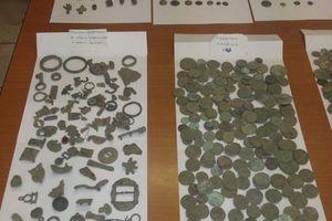 Χιλιάδες αρχαία αντικείμενα κατείχε 72χρονος